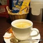 CoCo壱番屋 - ホットコーヒー(200円)はカレーと一緒の注文で100円になります