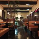 網焼 HANA - 夜の店内