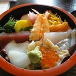 新月寿司 - ランチのちらし寿司