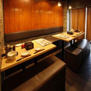 【店内空間】少人数の飲み会に最適な個室完備!ご予約受付中!