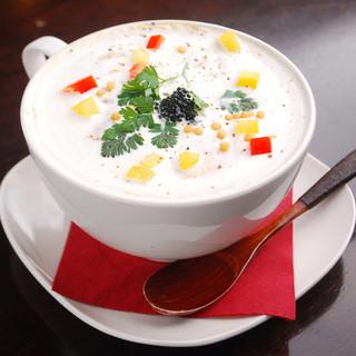 旬の食材を美味しく、綺麗に、楽しくお召し上がり頂けます。