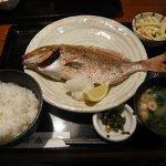 佐渡蔵 - 焼魚定食750円 鯛