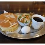 レストハウスポプラ - ホットケーキモーニング ¥500