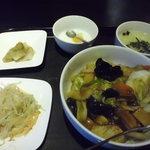 餃子厨房 福楽門 - 中華丼ランチ