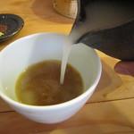 一東菴 - 蕎麦湯には濃度が添加されている