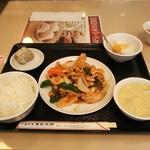 Manshinsaikan - 鶏むね肉のオイスターソース700円