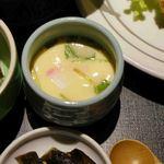 博多石焼 大阪屋 - うどんの入った茶わん蒸し。博多の小田巻き蒸し