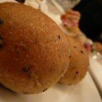 オステリア・バスティーユ - 自家製パン