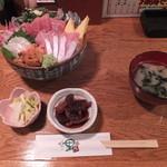17211882 - 海鮮一里塚丼 ¥1480