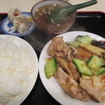 天安門 - 四川肉片定食 550円