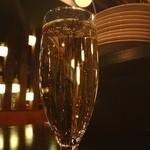 ワイン酒場 201 - スパークリングで。