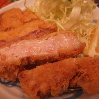 産地直送の霧島産肉と市場で厳選したお魚。健康は良質な食材から