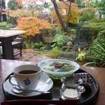 17216274 - 素敵な庭を眺めながら美味しい珈琲とスイーツを