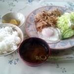 あかり - 料理写真:「生姜焼き定食☆ソフトドリンク付き(1000円)」(2013/1)