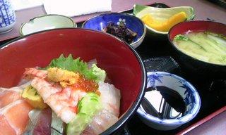 うおいち食堂 - 海鮮丼定食:880円