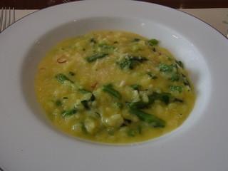 アチェーロ - 菜の花とパルメザンチーズのサフランリゾット