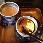 17226467 - デザートセットはほうじ茶のチャイときなこの葛プリン