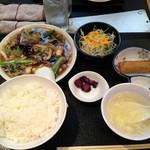 熱愛飯店 - きのこ盛定食
