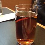 熱愛飯店 - ウーロン茶とコーヒーと紅茶はセルフで飲み放題!