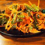 韓豚めぐり - ツブ貝と野菜の炒め