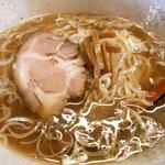 らーめん・手のし餃子 池之端 松島 - 昔ながらの醤油ラーメン・・・混じりけないです。