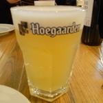 17242891 - ビールはHoegaarden draft