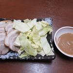 武蔵ラーメン - 味噌マヨ厚切りチャーシュー(250円)