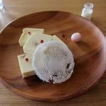 エランズカフェ - 山羊のチーズケーキ