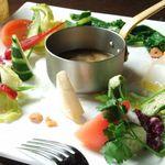 いろはにほ - 料理写真:女性に人気の10種類以上の野菜を使った自家製バーニャカウダー