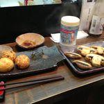 17247075 - たこ焼きとマッシュルームのガーリックオリーブオイル炒め