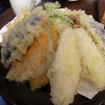 17257583 - 野菜の天ぷら、1200円!