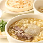 唐朝刀削麺 - ヤンルーポーモー。ラム肉の良い出汁が出てます。