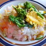 若汐亭 - 料理写真:ちらし寿司