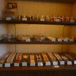 17258997 - 焼き菓子の棚