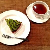 エンゼル - ケーキセット◆マクロビフルーツタルトとドリンクのセットです。