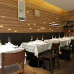 イタリアン オット - テーブル席