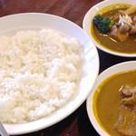 エスニックカリー メーヤウ - インド風チキンカリ-&インド風野菜カリー  by M