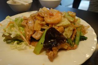 珍満賓館 - 肉と五目炒め!