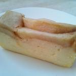 A-NE CAFE - キャラメルとりんごのチーズケーキ
