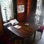 喫茶 ナポレオン - ゆったりテーブル席