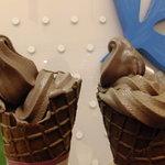 ベルアメール - (ノ∇≦*)バレンタイン期間の限定:ショコラソフトクリーム:399円(2013.02月)