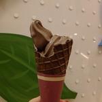 ベルアメール - (ノ∇≦*)バレンタイン期間の限定:ショコラソフトクリーム:399円:絶品です❤(2013.02月)