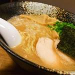 ようすけ 鶏煮亭 - 濃厚鶏醤油ラーメン750円