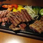 17278153 - 和牛3種のステーキ