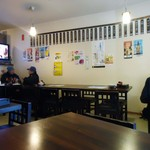 居酒屋 串松 - 祝日昼2時頃の店内。