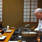 三ッ田 - 熟練のおじいさんが丁寧に揚げてくれます