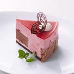 ビアンキカフェ&サイクルズ - 季節のケーキ \400