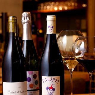 ワインをはじめ、選りすぐりのお酒をご用意しています