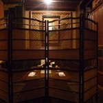 郷土料理おいどん - プライベートルーム。どこか王宮のようなしつらえ。