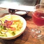 ステーキハウス 梶 - お昼からワインなんですね~。  お仕事の人はどうしているのかな。